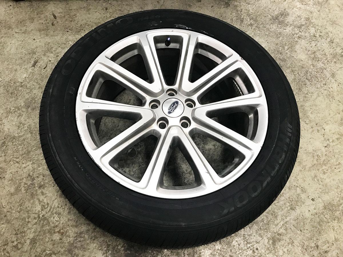 2016款福特探险者前两轮胎起皮开裂 韩泰免费换新胎记--看了换胎不会走弯路