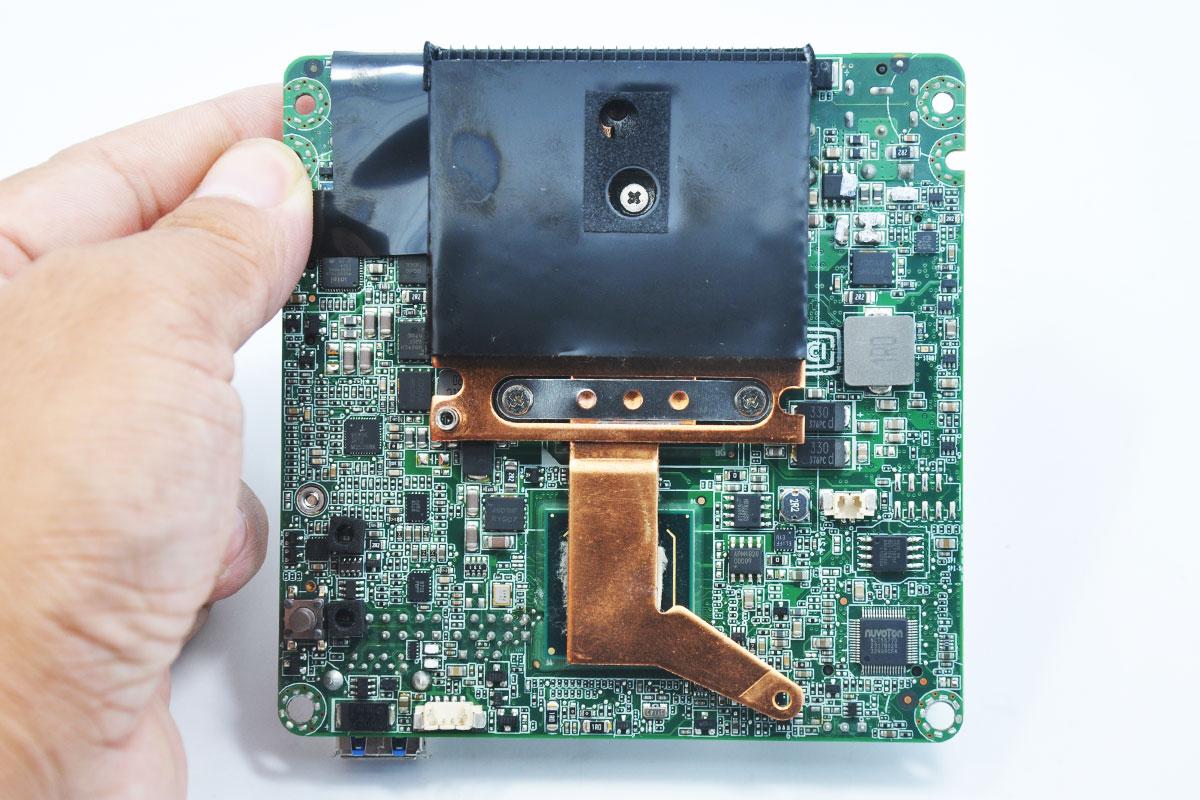 新到货10台英特尔第三代NUC Core i5-3427U 1.8GHz   HDMI   2 x DP  D53427RKE  QS77主板 准系统