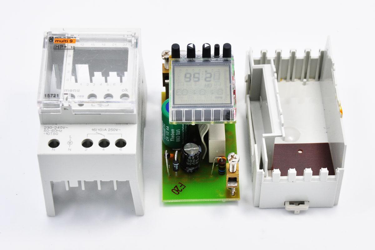 新到货小批量MERLIN GERIN IHP+1C梅兰日兰电子式可编程定时开关CCT15721