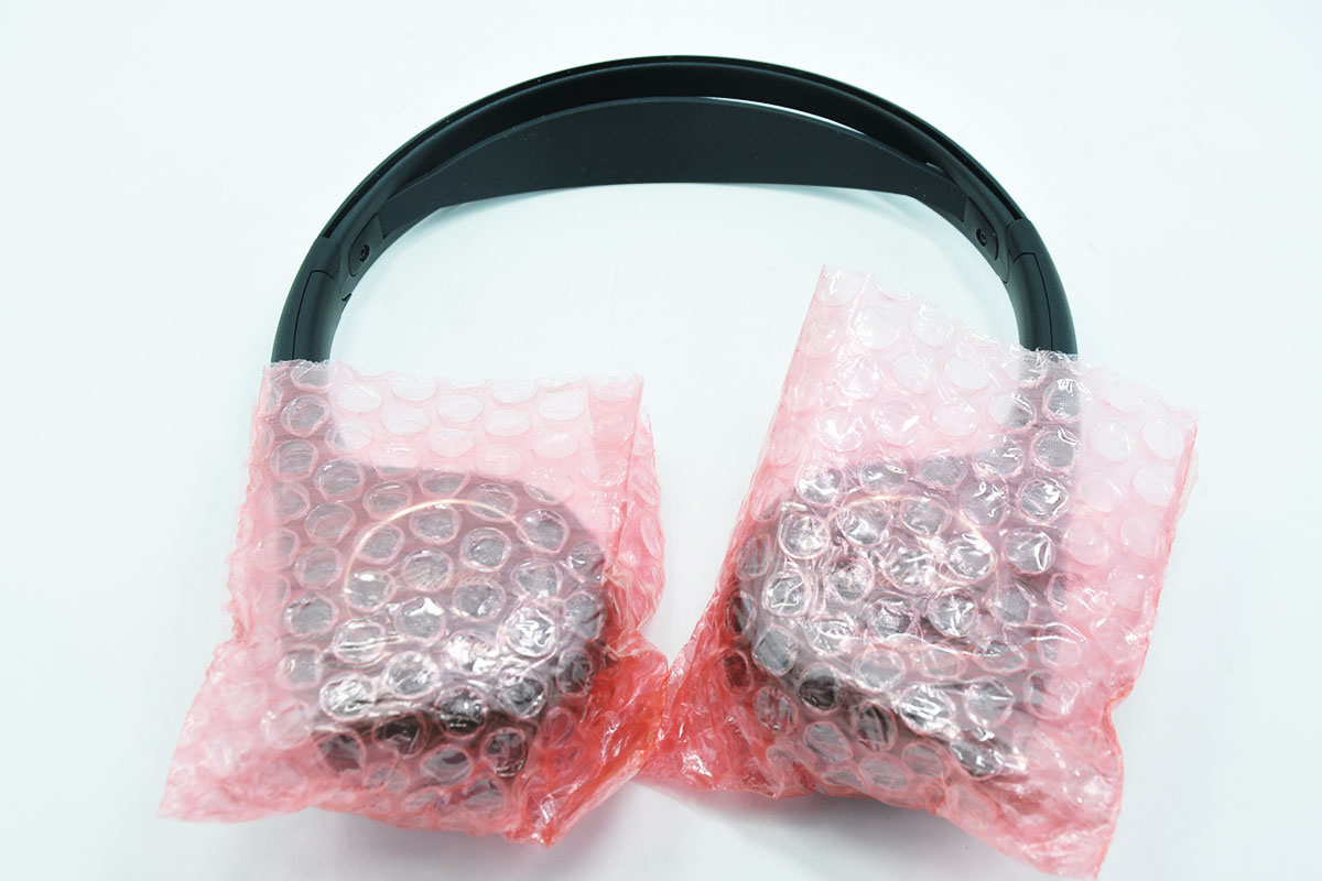 新到货几百个原装正品凱迪拉克eadieeac汽车载吸顶头枕后排头枕DVD显示器红外线无线耳机