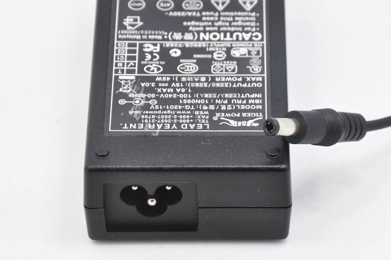 新到货几十个斑马Tiger Power  IBM SurePoint 4820 Touch Screen Monitor 10N0951 TG-4201-15V 15V 3A Power Supply for SurePoint Display
