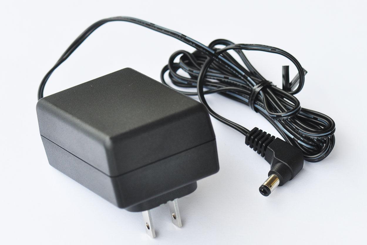 新到货2261个原装APD亚源12V2A硬盘盒监控路由器24W开关电源适配器WA-24E12FU