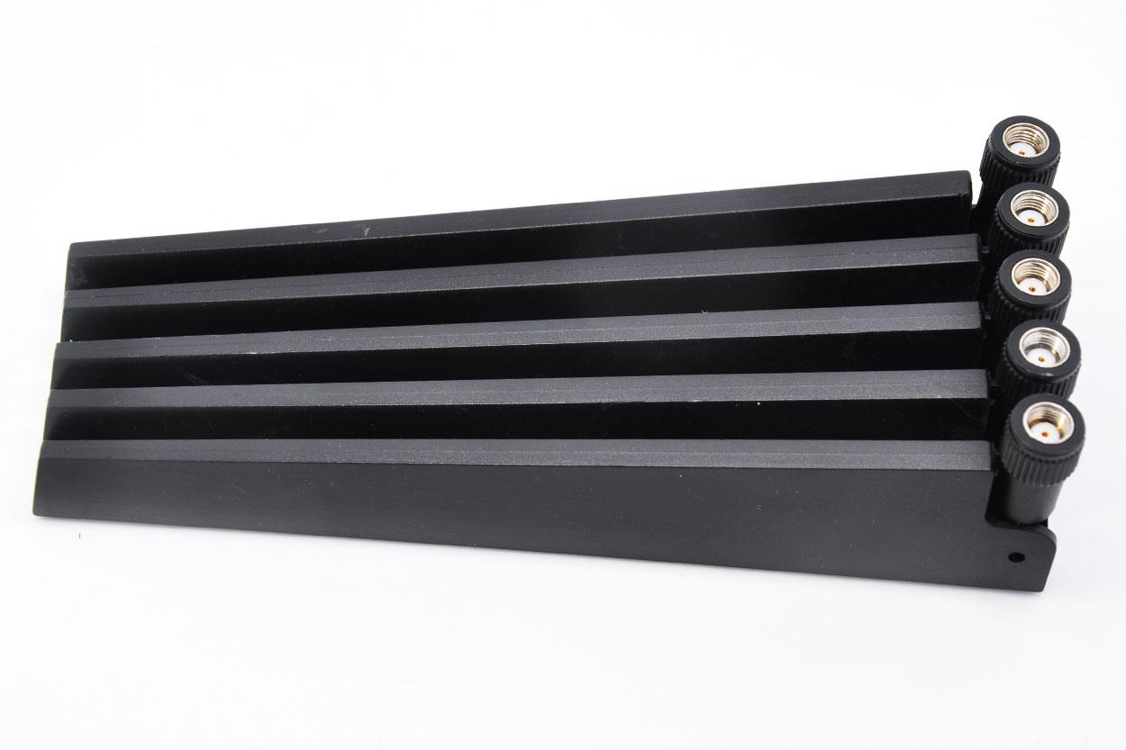处理库存几千条原装NETGEAR网件R7000无线路由器高增益式天线双频2.4G 5G全向天线SMA接口5DB