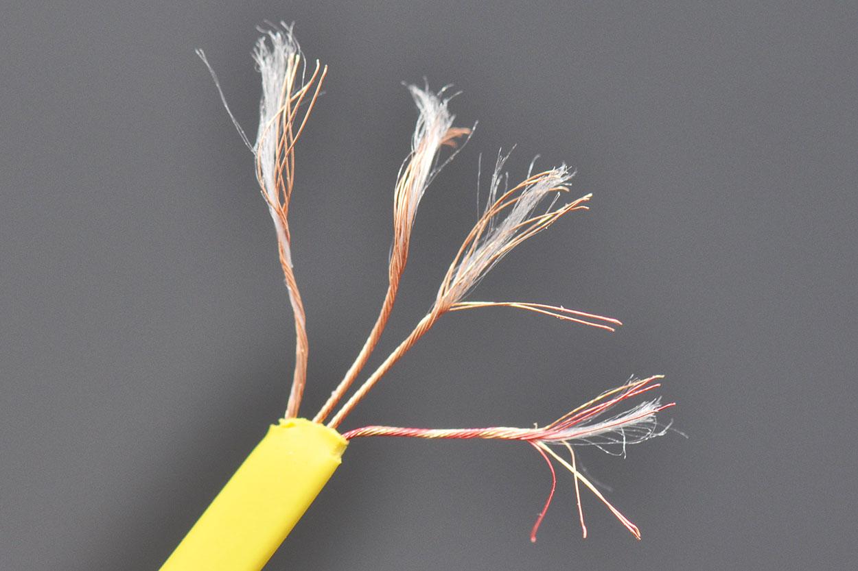 新到货CANARY原装正品1.1米3.5转3.5MM公对公音频线对录线车载AUX线面条3.5音频线